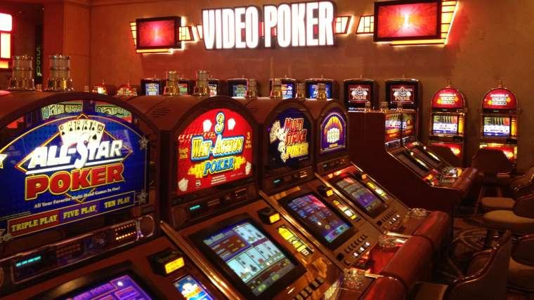 Vidéo Poker : comment y jouer et où trouver les meilleurs titres ?